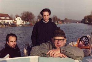Karel van het Reve met zoon David, Maarten Biesheuvel en kleinzoon Jonathan